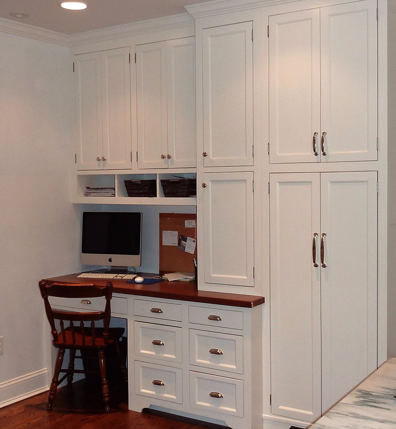 Jpg To Enlarge Image Built In Desk White Kitchen 2